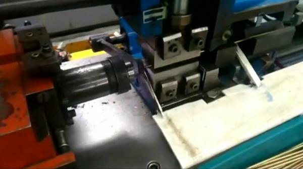 經濟型縮管機自動上下料機
