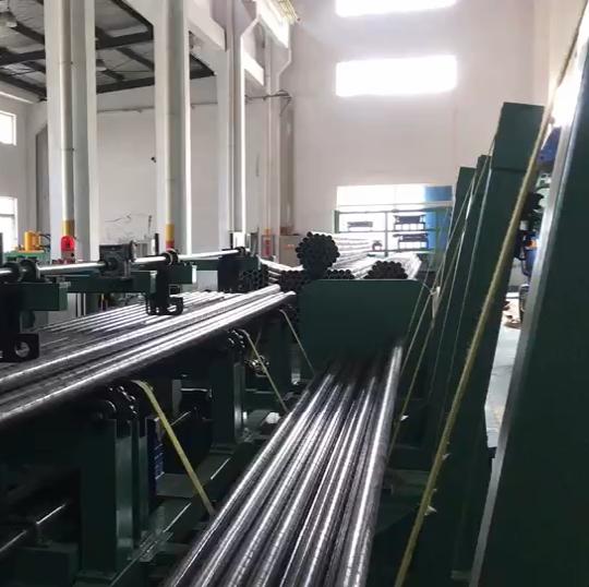 非標定制自動切管機生產線(四個出料口)視頻